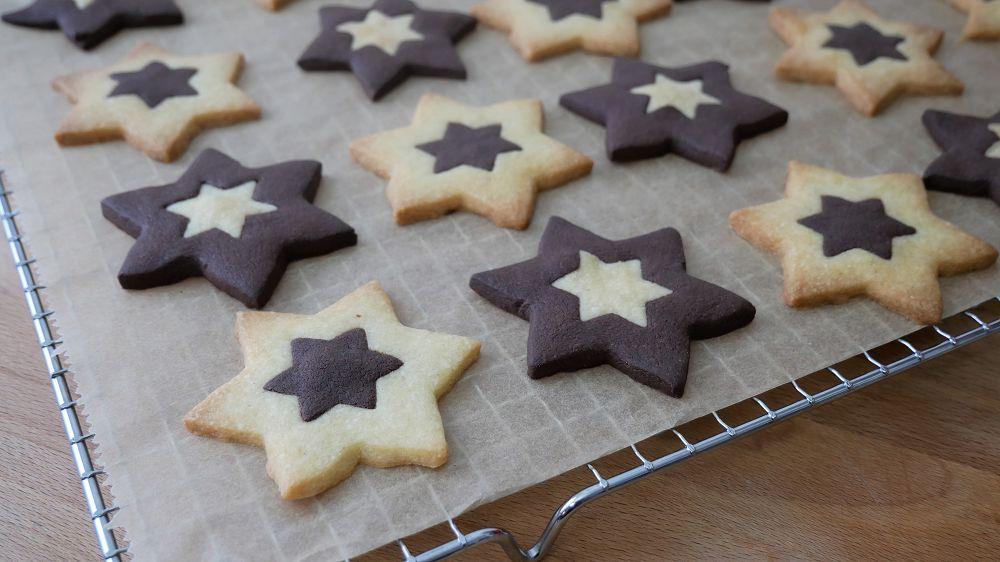 Baking Black & White Star Cookies