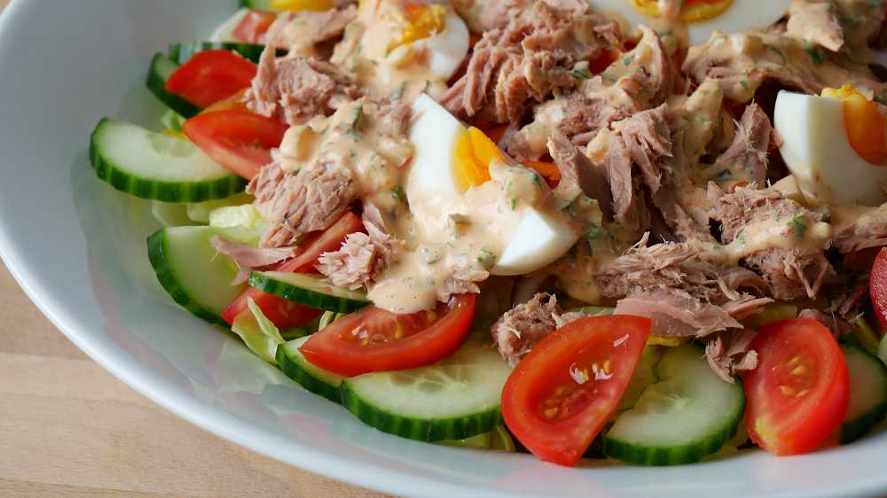 Thunfisch Salat mit Thousand Island Dressing