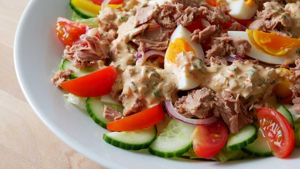 Thunfisch Salat mit Thousand Island Dressing