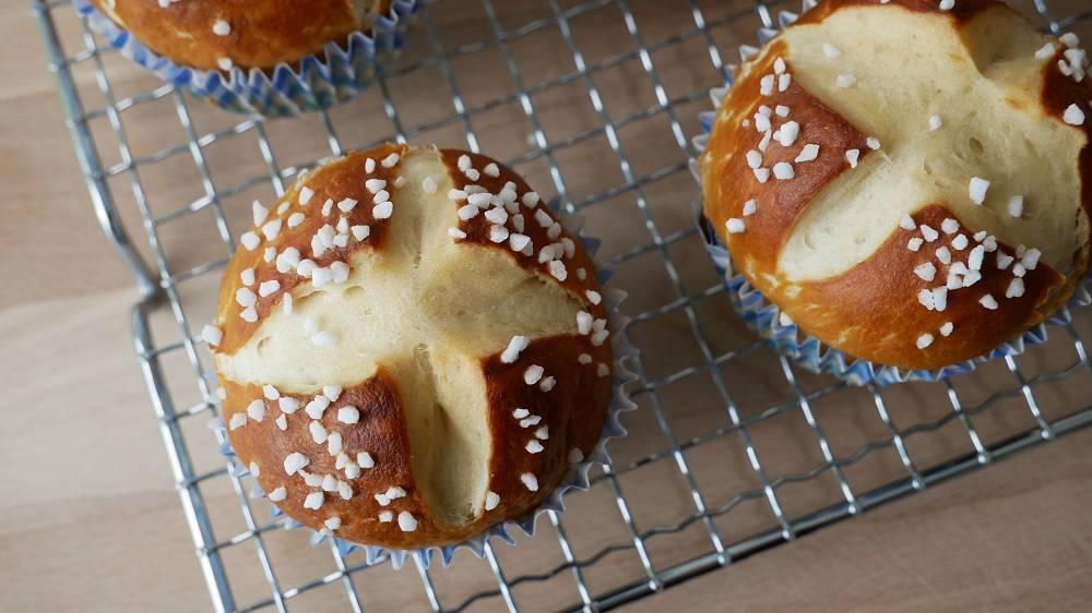 Baking Pretzel Muffins
