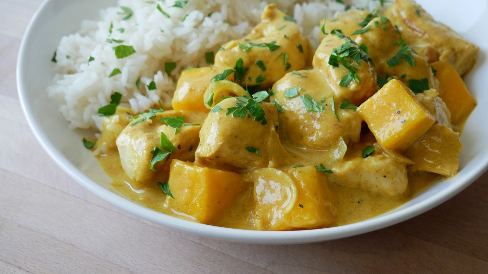 Simple Chicken Mango Curry
