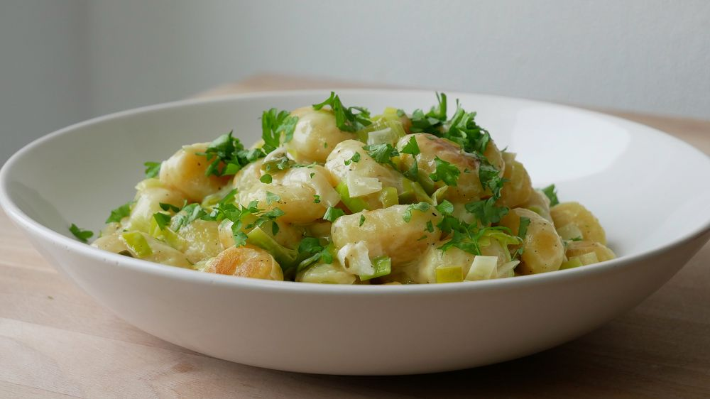 Simple Pan-Fried Gnocchi with Leeks