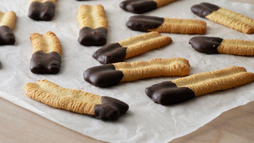 Baking German Spritz Cookies