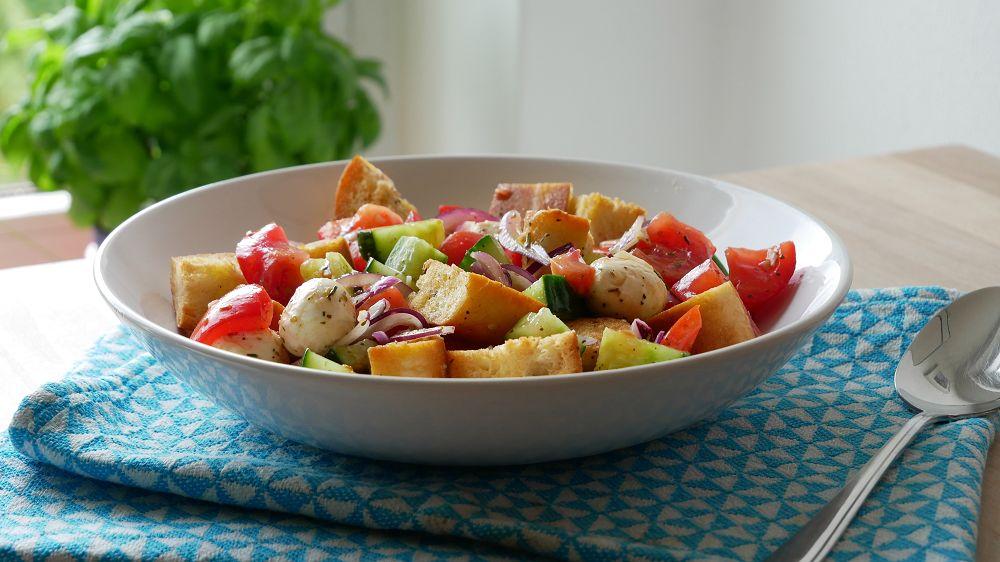 Italian Bread Salad Panzanella Ichkocheheute De