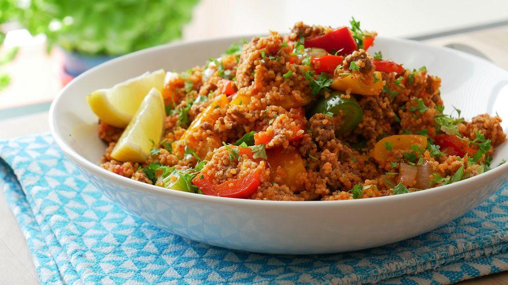 Schnelle Couscous Pfanne mit Hackfleisch & Paprika