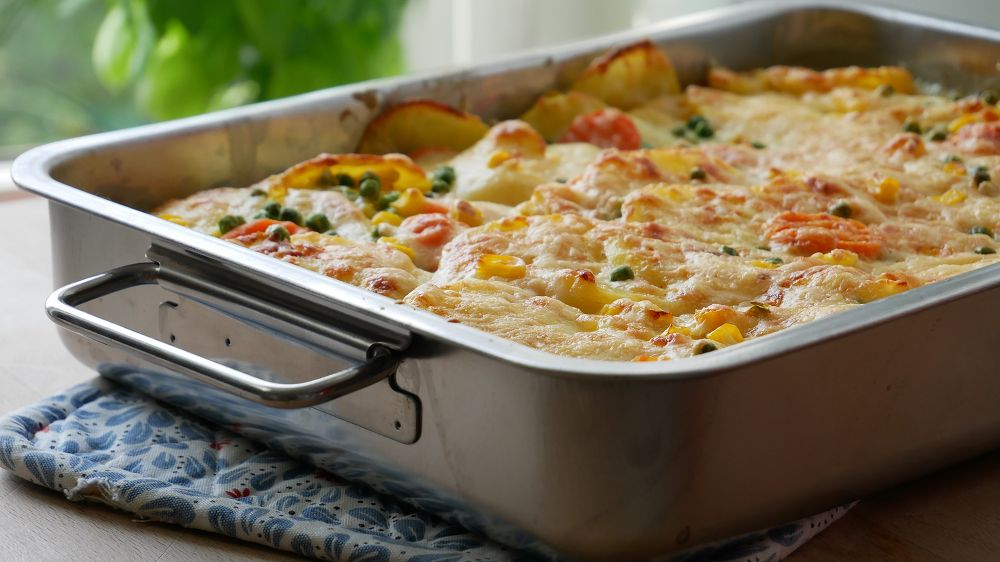 Creamy Potatoes Au Gratin with Vegetables