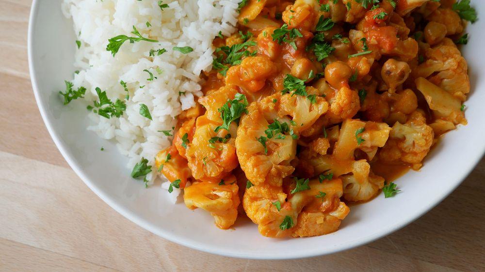 Schnelles Blumenkohl Curry mit Kichererbsen