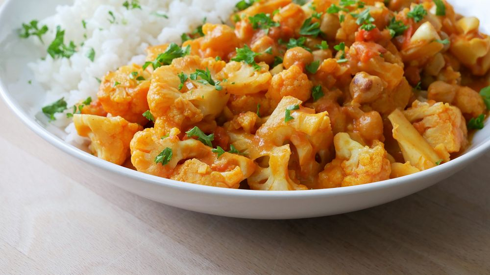 Simple & Easy Cauliflower Curry with Chickpeas