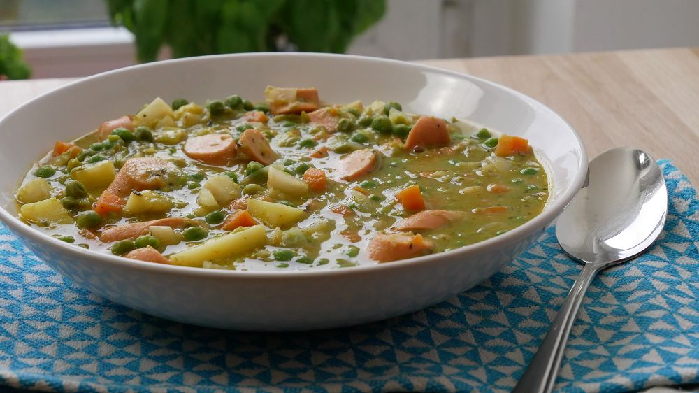 Simple Pea Soup with Wieners