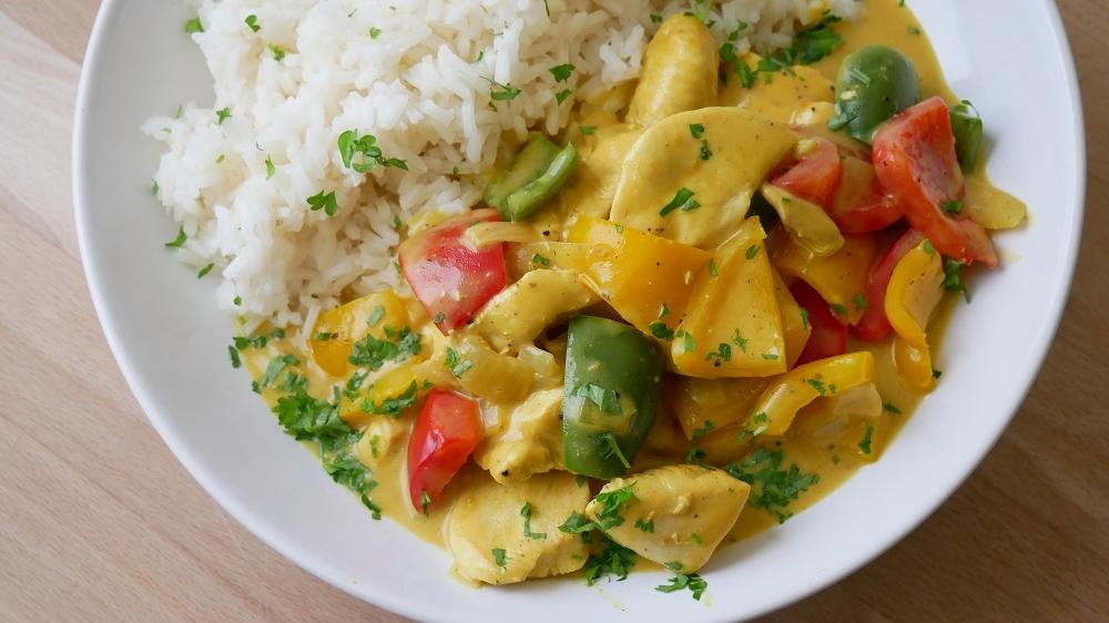 Hähnchengeschnetzeltes mit Curry Sahne Sauce