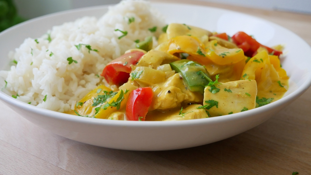 Chicken Strips with Curry Cream Sauce
