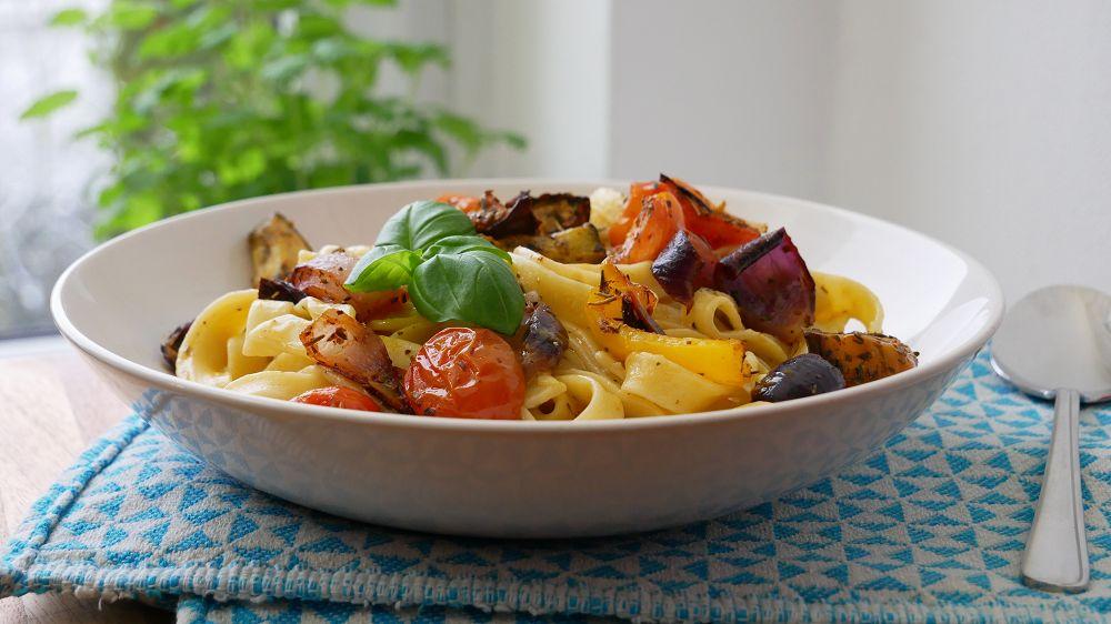 Veggie Pasta mit Ofengemüse