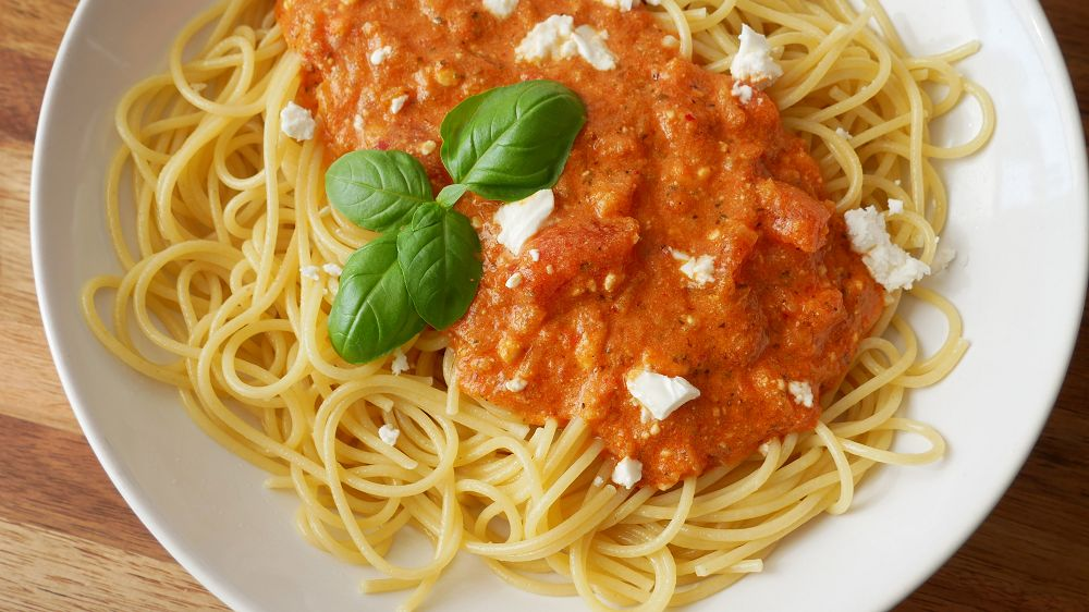 Spaghetti mit Tomaten Feta Sauce