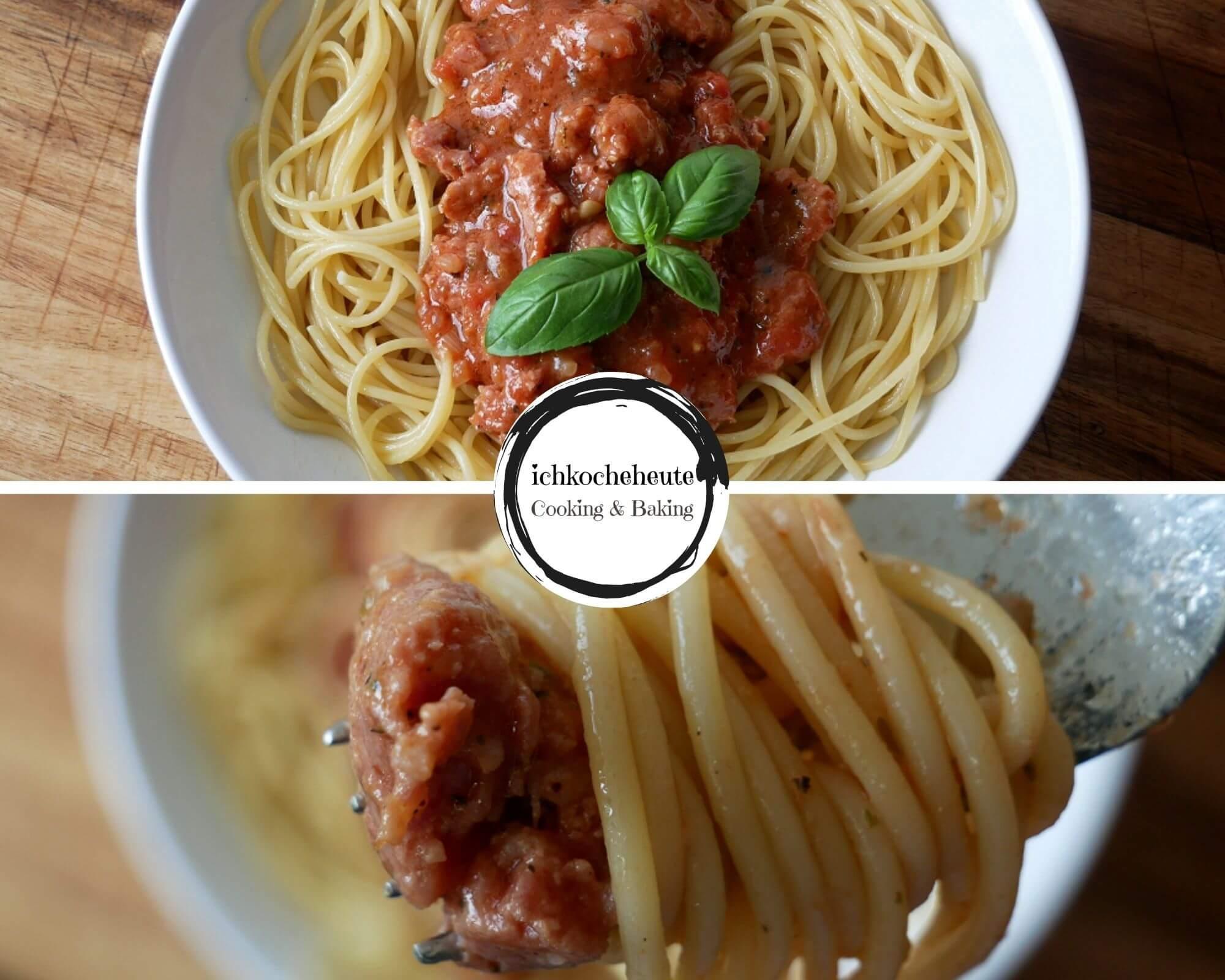 Pasta mit Salsiccia Tomaten Sauce Servieren