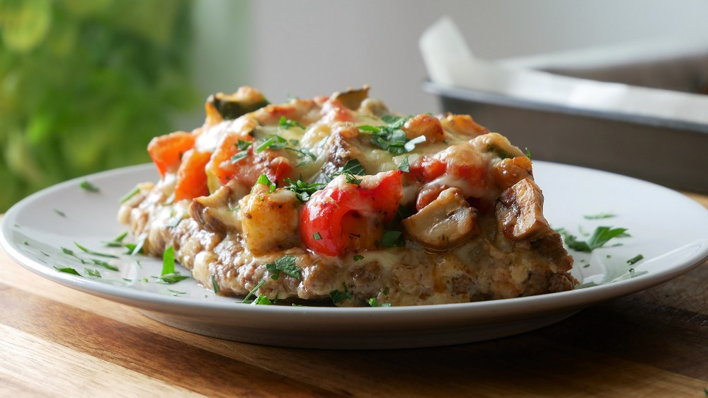 Schnelles Gemüse Hackfleisch Blech mit Käse Überbacken