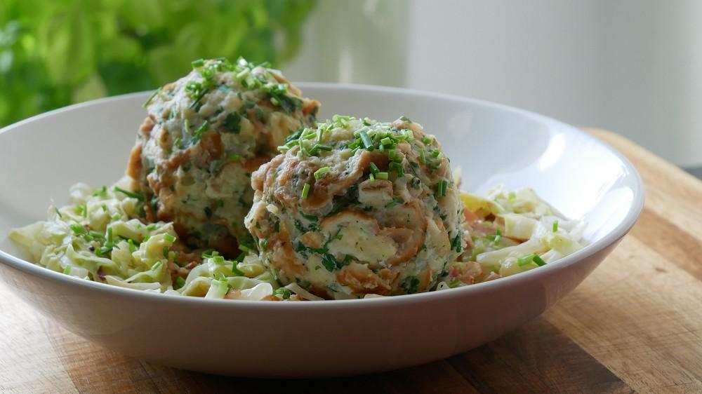 Brezelknödel Selber Machen mit Spitzkohl Gemüse